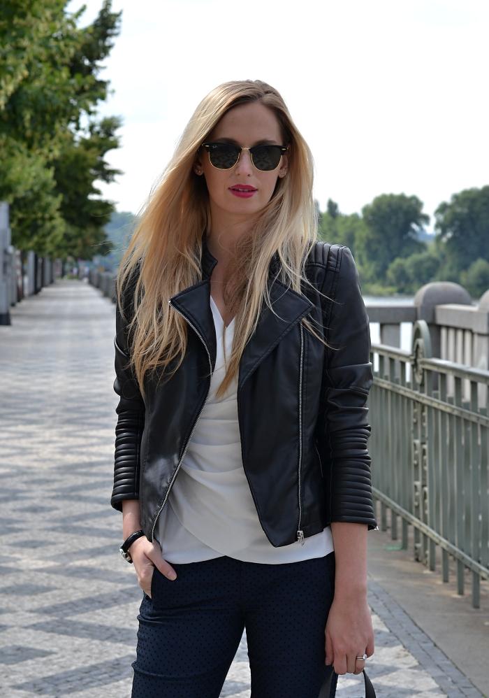 dffda0b6f4 kalhoty - Zara