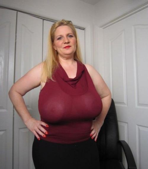 обожают толстые женщины с большими грудями решено